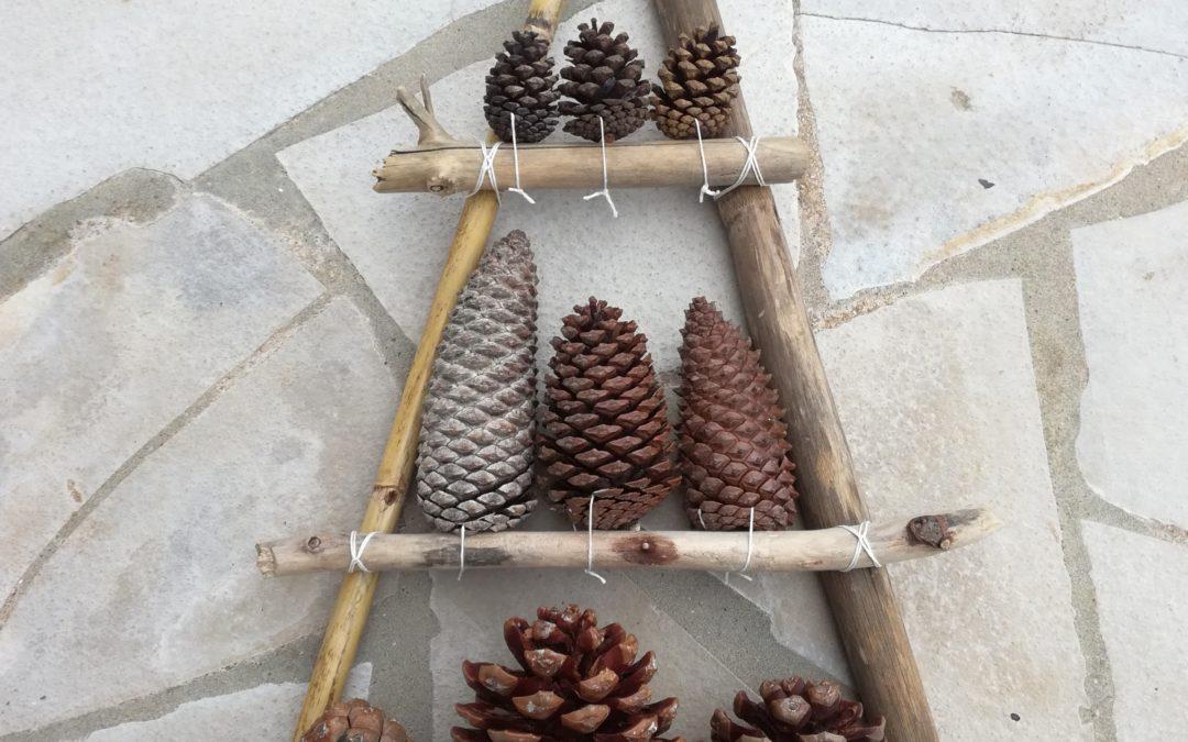 décoration bois flotté pommes de pin